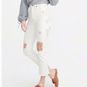 A&F Zoe high waist white embroidered jeans